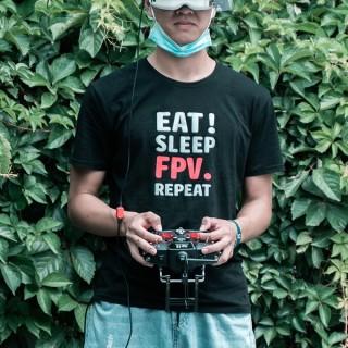 "T-Shirt with slogan""EAT! SLEEP, FPV. REPEAT"""